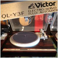 Victor QL-Y3F turntable - $300